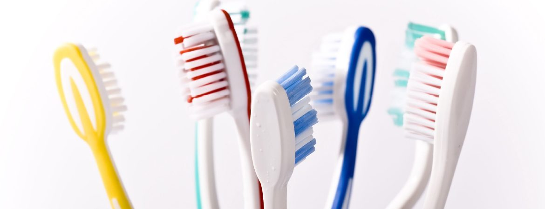toothbrush-bristle-by-dr-raymond-lim